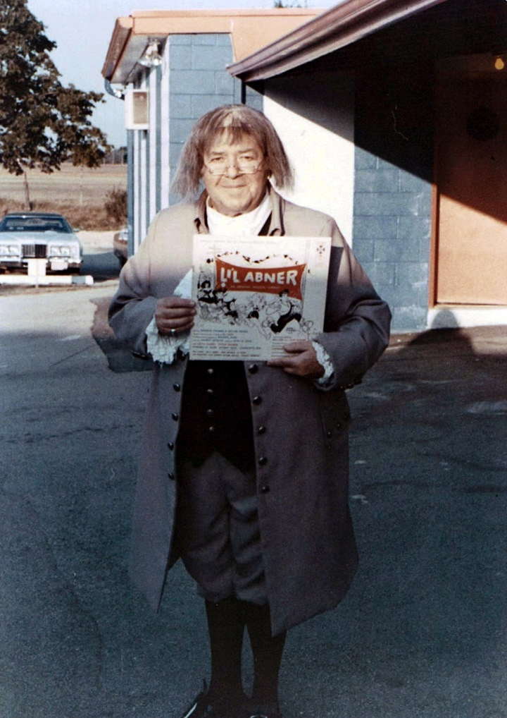 Stubby Kaye as Benjamin Franklin, outside Melody Top Theater in Milwaukee during the summer of 1976.
